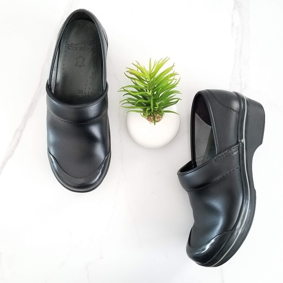 Volley Black Leather Clogs Non Slip On